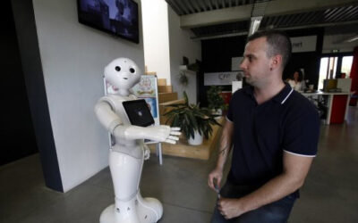 L'indépendant : Un Robot accueille les clients